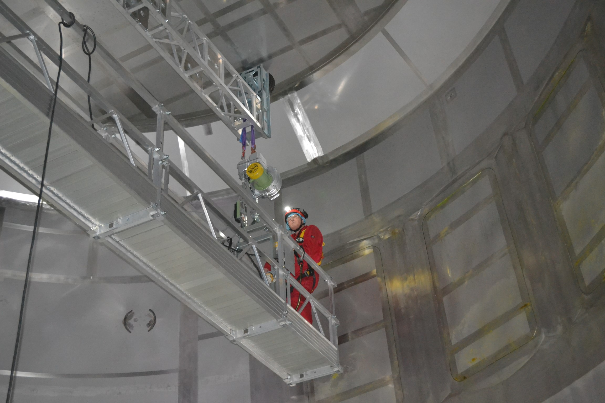 Spray dryer testing and inspection of the chamber and cone using our unique access platform checking for leaks and cracks,